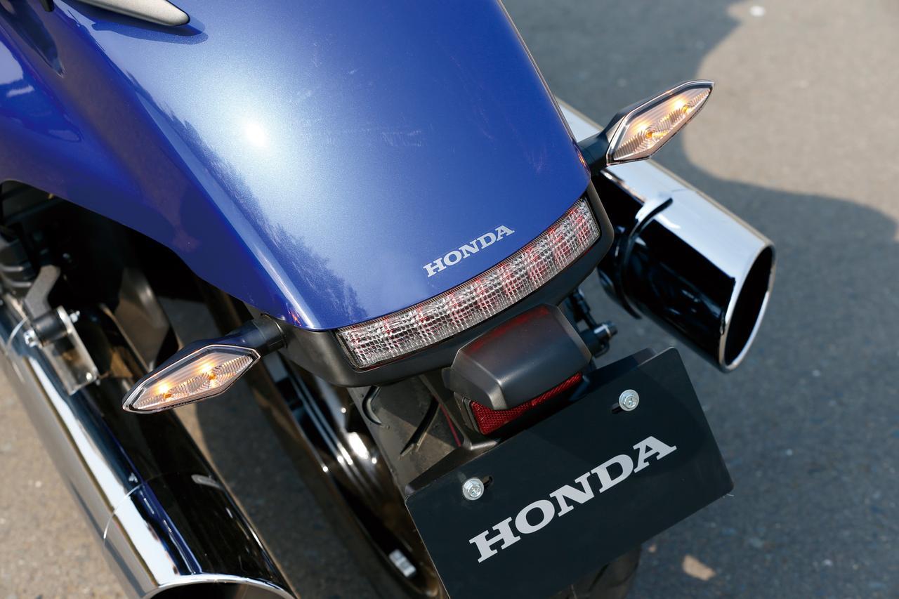 Images : 13番目の画像 - 「F6Cのデザインは「猛獣が獲物に襲いかかるイメージ」をモチーフにしている『HONDA GOLDWING F6C』(2014年)」のアルバム - webオートバイ