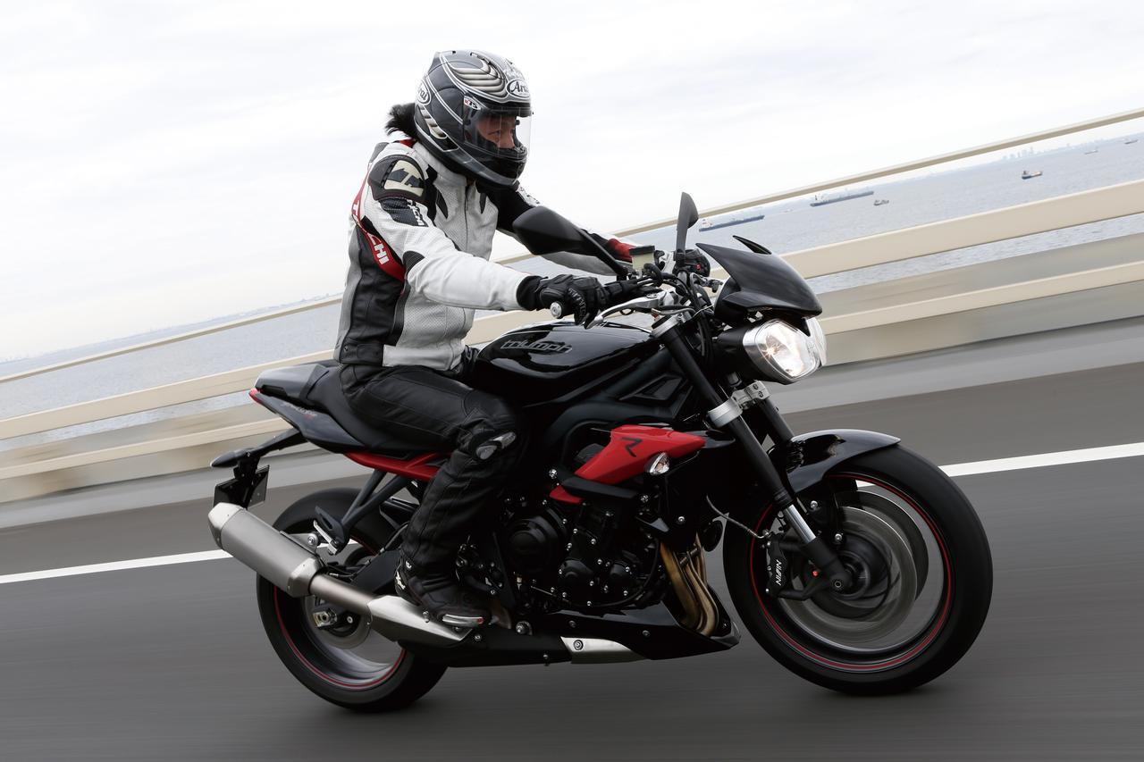 Images : 1番目の画像 - 「キレのいいフットワークが自慢の暴れん坊、日本上陸!『TRIUMPH STREET TRIPLE R』(2014年)」のアルバム - LAWRENCE - Motorcycle x Cars + α = Your Life.