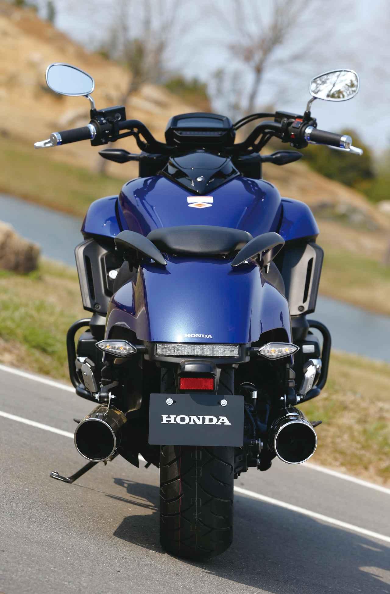 Images : 9番目の画像 - 「F6Cのデザインは「猛獣が獲物に襲いかかるイメージ」をモチーフにしている『HONDA GOLDWING F6C』(2014年)」のアルバム - webオートバイ