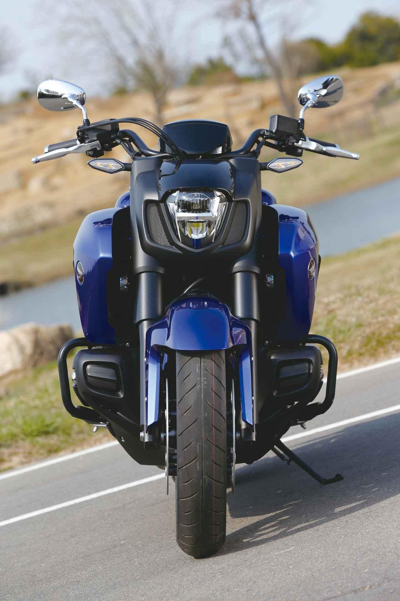 Images : 6番目の画像 - 「F6Cのデザインは「猛獣が獲物に襲いかかるイメージ」をモチーフにしている『HONDA GOLDWING F6C』(2014年)」のアルバム - webオートバイ