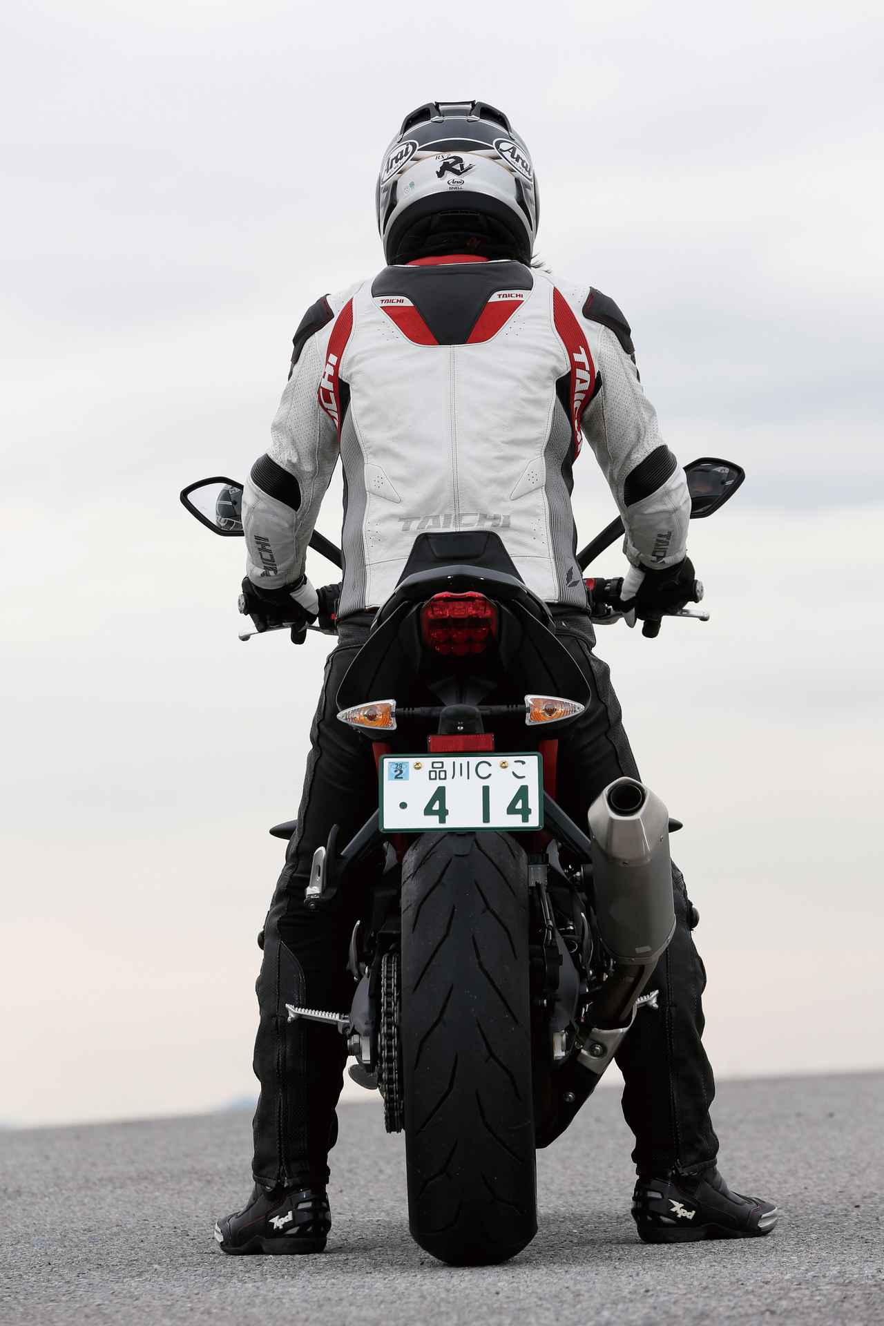 Images : 3番目の画像 - 「キレのいいフットワークが自慢の暴れん坊、日本上陸!『TRIUMPH STREET TRIPLE R』(2014年)」のアルバム - webオートバイ