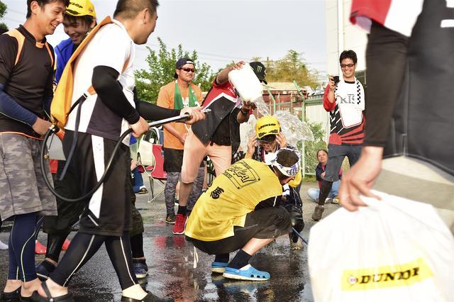 画像: 各クラスウイナーの走りと表彰台を紹介