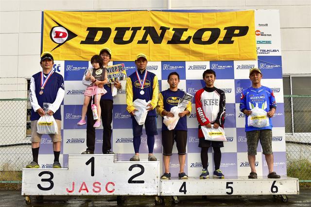 画像: 左から3位・池田選手、1位・冨永選手、2位・吉野選手、4位・早川選手、5位・小川選手、6位・辻家選手
