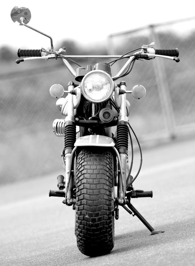 画像: 長いシートとぶっといタイヤの異端児「スズキ・バンバンRV90」/『バイク界の逸話』(船山 理)より