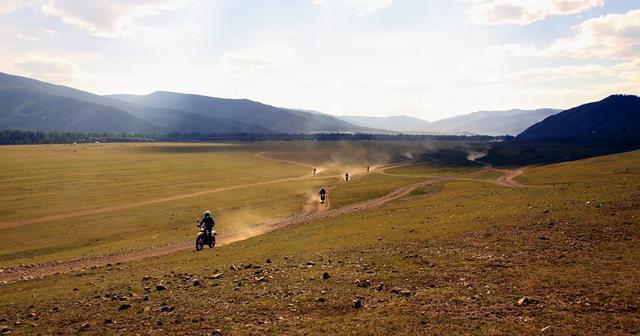 画像: モンゴル 冒険家・風間深志と行く!!地球を守れ・遊べ!植林&オフロードツーリング 6日間 | 海外ツーリングの道祖神