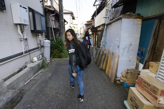 画像10: 第一目的地!横須賀・どぶ板通り!