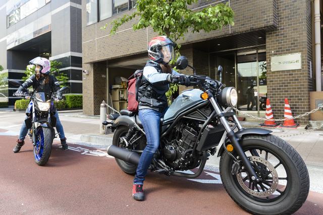 画像3: 集合場所のオートバイ編集部へ。
