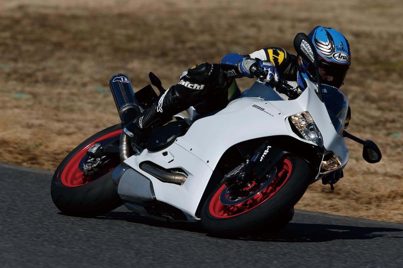 Images : 2番目の画像 - 「ベストバランスが光るミドルパニガーレ日本上陸!!「DUCATI 899 PANIGALE」(2014年)」のアルバム - webオートバイ