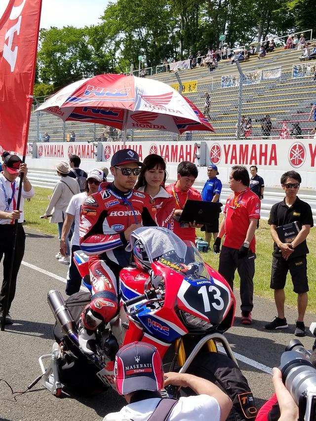 画像1: JSB1000決勝レース(レース2)は チームHRC高橋巧選手の独走状態でした!