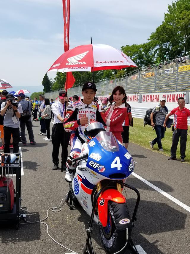 画像1: 前半の楽しい雰囲気とは一転。 いよいよ決勝レース! まずはJ-GP2