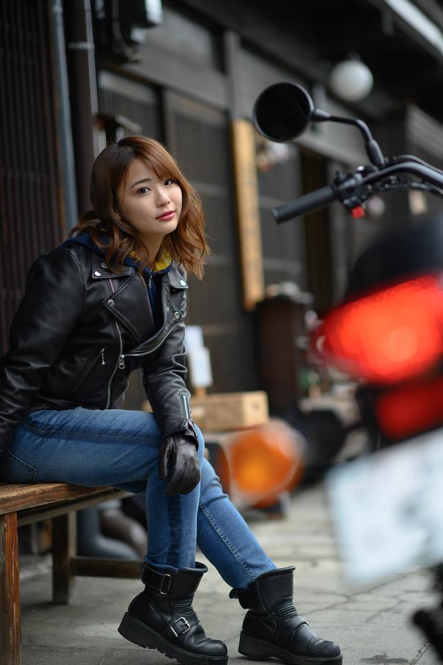 画像6: 平嶋夏海×KAWASAKI W800 STREET【オートバイ女子部のフォトアルバム】
