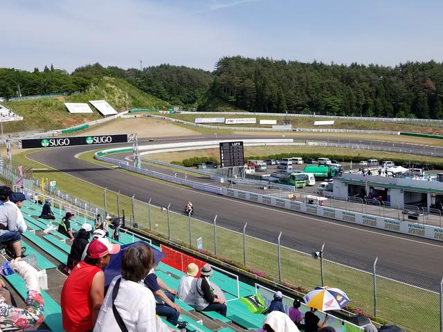 画像2: 全日本ロードレースが開催されるサーキットには出店がたくさん♪