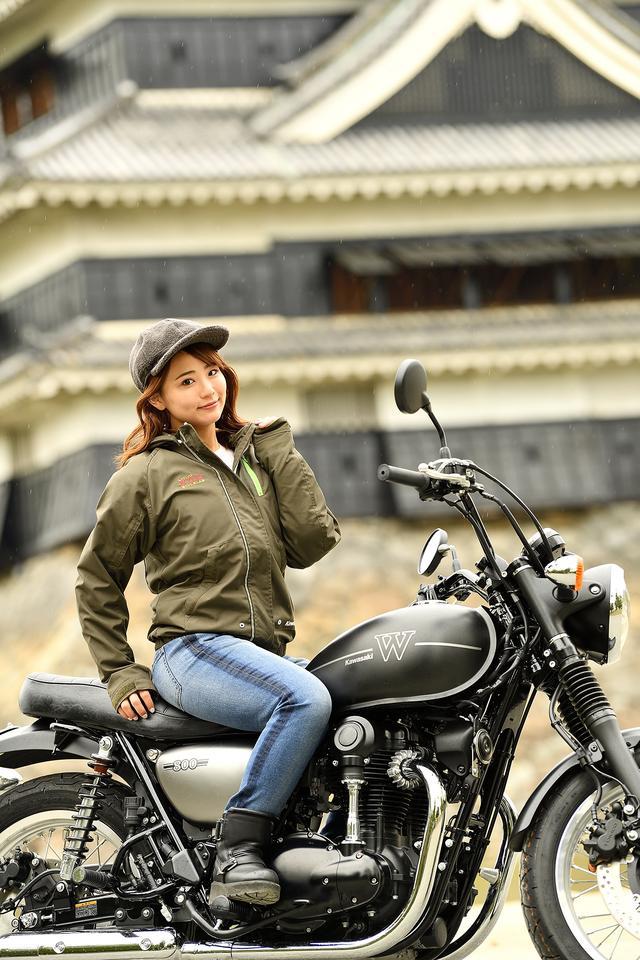 画像4: 平嶋夏海×KAWASAKI W800 STREET【オートバイ女子部のフォトアルバム】