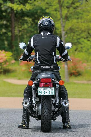 RIDING POSITION 身長:176㎝ 体重:62㎏