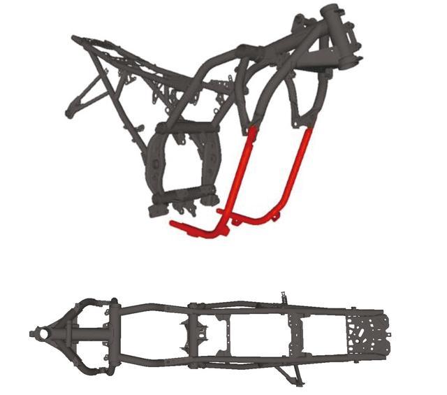 画像: 赤い部分は実はフレームではなく、エンジンを守るためのガード。エンジン右側にウォーターポンプ系統が大きく張り出していて、そのあたりを絶妙にガードしている。