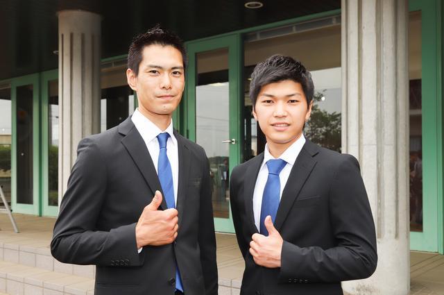 画像: 元トライアル選手の野本佳章 選手(左)と、元ロードレーサーの上和田拓海 選手(右)。模擬レースや、タイム計測などで、常にトップ争いを展開していた2人。