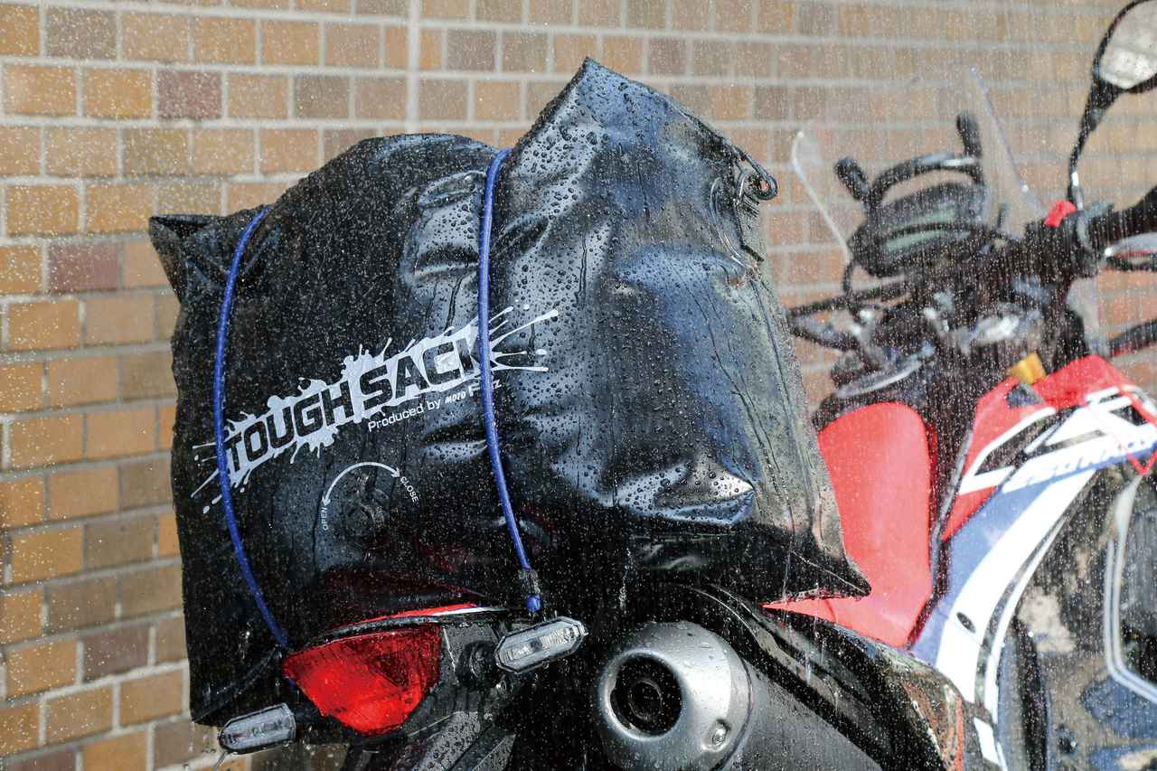 画像1: リュックか2wayバッグが人気!
