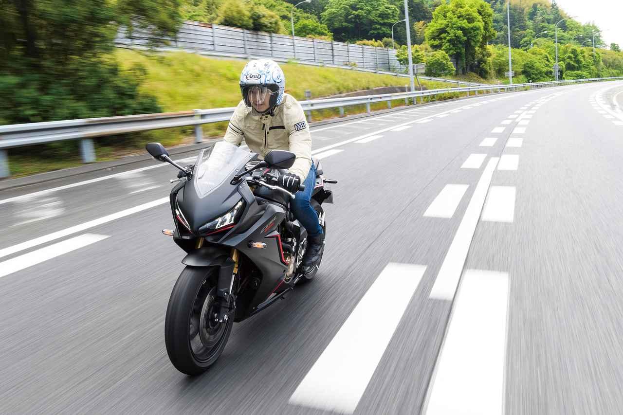 画像2: スリッパークラッチの効果で1速が多様できるし、リッタースポーツよりもスロットルを開けて走れる