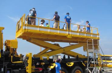 画像: 高所作業車の体験試乗