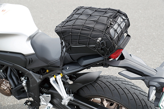 Images : 4番目の画像 - 「いま、ミドルスポーツが狙い目! 注目モデル4機種をとことん試乗比較!『CB650R / MT-07 / SV650 / Z650』」のアルバム - webオートバイ