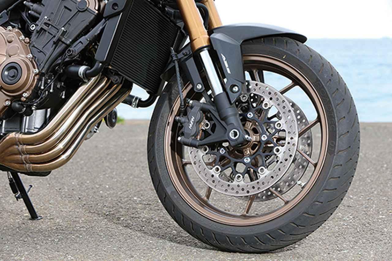 Images : 1番目の画像 - 「いま、ミドルスポーツが狙い目! 注目モデル4機種をとことん試乗比較!『CB650R / MT-07 / SV650 / Z650』」のアルバム - webオートバイ