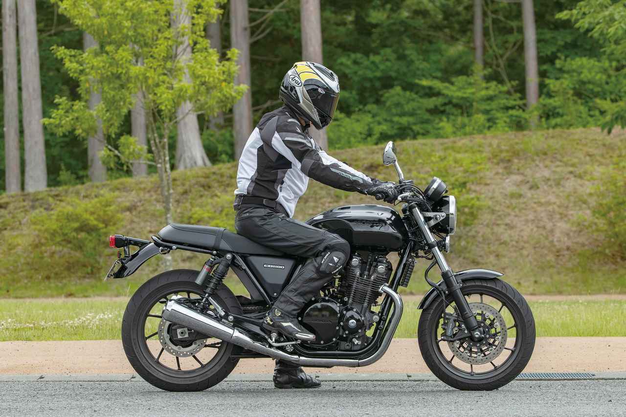 Images : RIDING POSITION  身長:176㎝  体重:62㎏