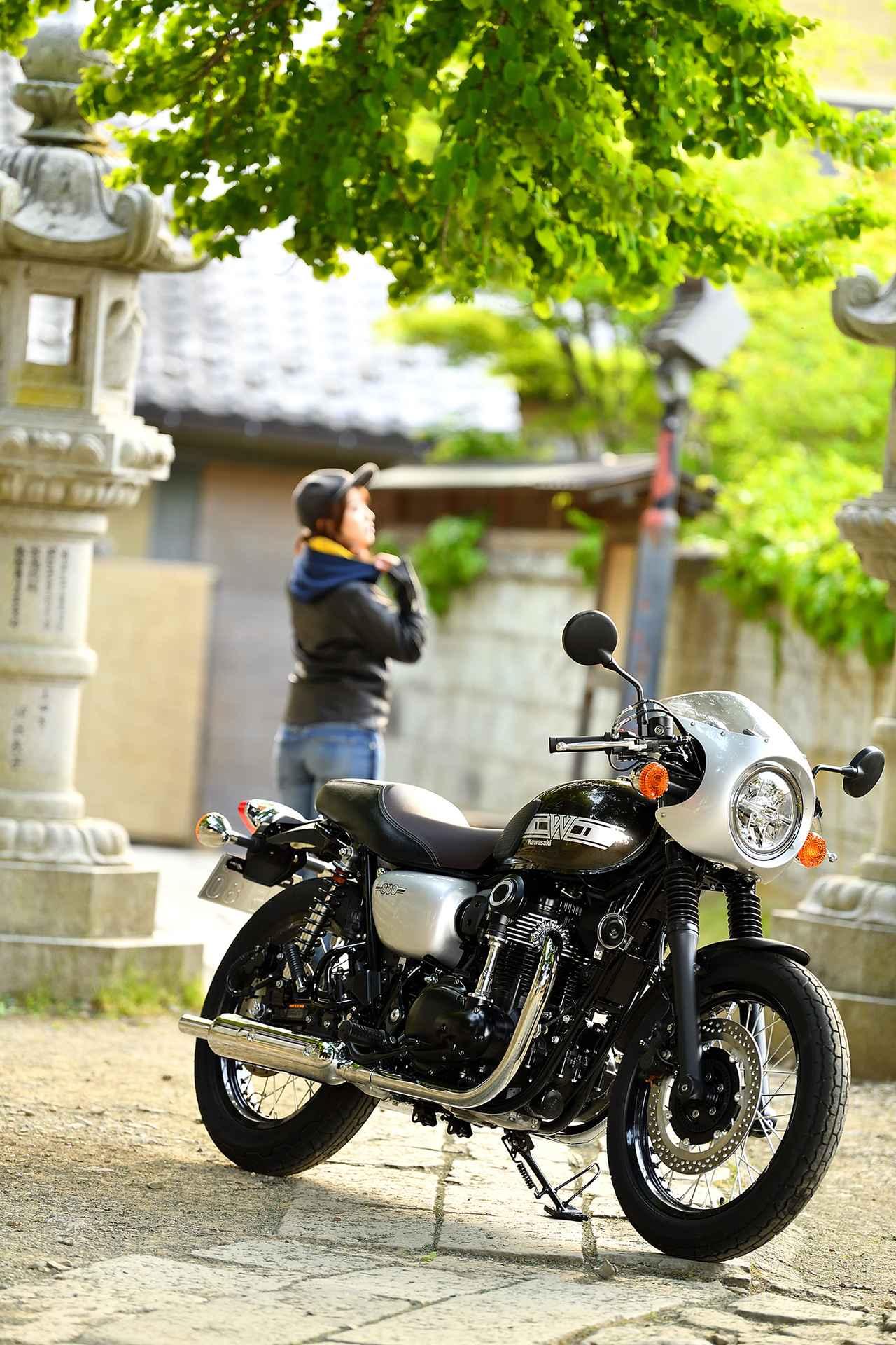 画像6: 平嶋夏海×KAWASAKI W800 CAFE【オートバイ女子部のフォトアルバム】
