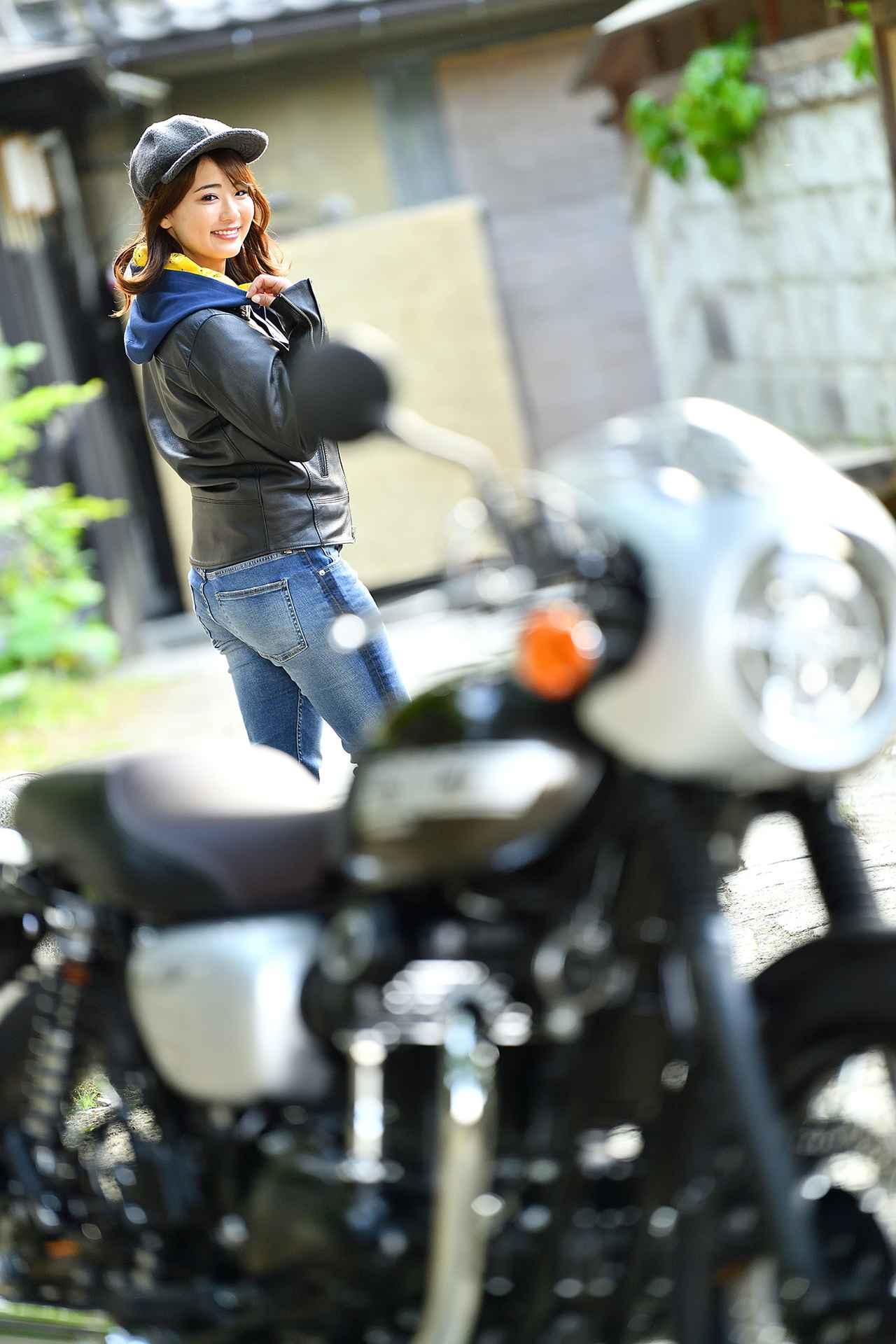 画像4: 平嶋夏海×KAWASAKI W800 CAFE【オートバイ女子部のフォトアルバム】