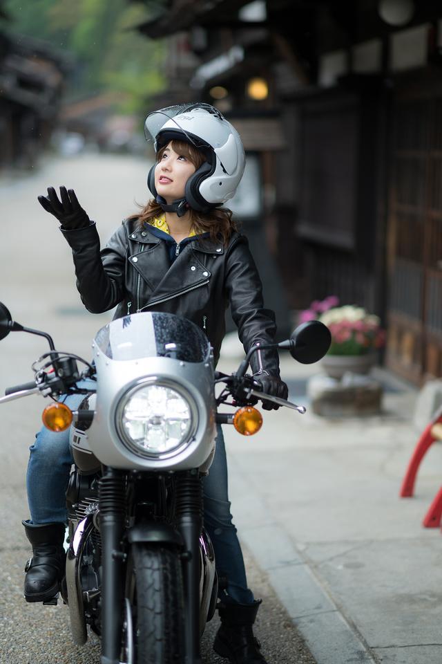 画像2: 平嶋夏海×KAWASAKI W800 CAFE【オートバイ女子部のフォトアルバム】