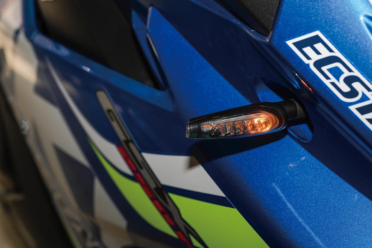 Images : 4番目の画像 - 「車検対応の汎用シーケンシャルウインカー『KIJIMA ウインカーランプシーケンシャルタイプTR LED』」のアルバム - LAWRENCE - Motorcycle x Cars + α = Your Life.