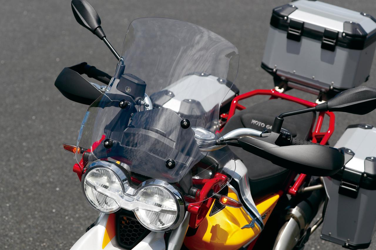 Images : 4番目の画像 - 「伝統の縦置きVツインが生み出すアドベンチャーの新境地!『MOTO GUZZI V85TT』(2019年) #試乗インプレ」のアルバム - webオートバイ