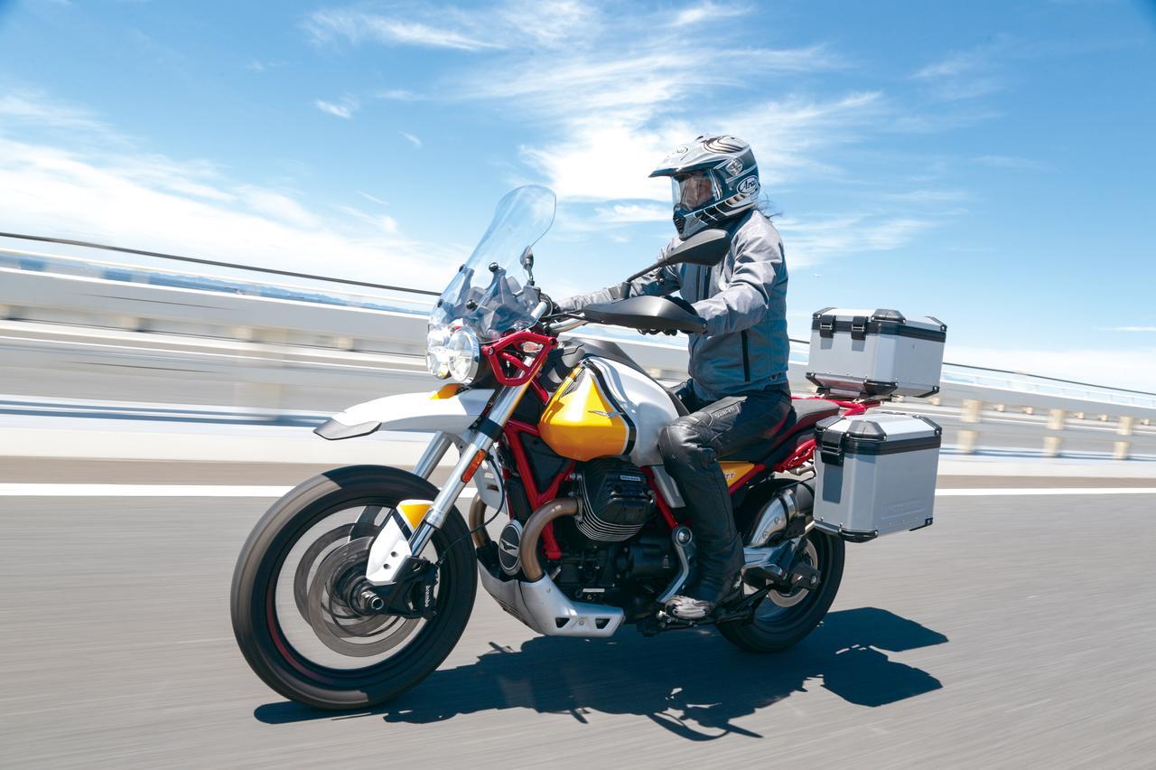 Images : 2番目の画像 - 「伝統の縦置きVツインが生み出すアドベンチャーの新境地!『MOTO GUZZI V85TT』(2019年) #試乗インプレ」のアルバム - webオートバイ