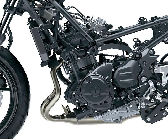 画像: エンジンは新設計の並列ツイン。サブスロットルを廃して高回転域の出力特性を向上。アシスト&スリッパークラッチを採用した。