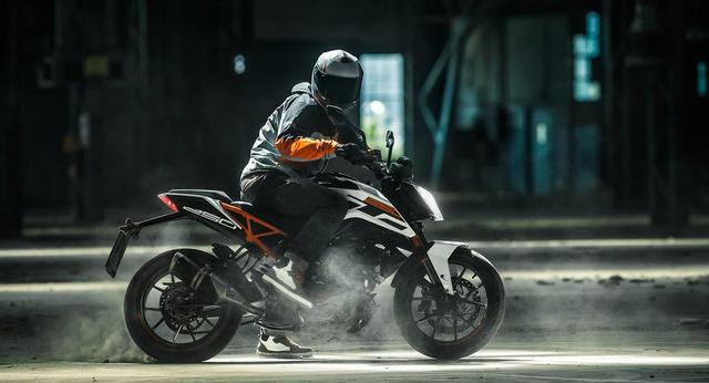 画像: KTM 250 DUKE/税込55万5,500円