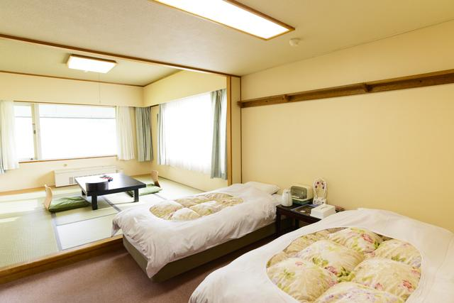 画像: 窓から「空吹」の景色が眺められる和洋室もありますよ!