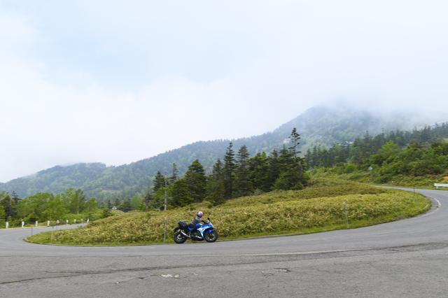 画像5: 日本国道最高地点に立つ!!