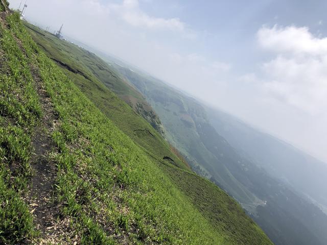 画像3: 大観峰へ(熊本県阿蘇市)