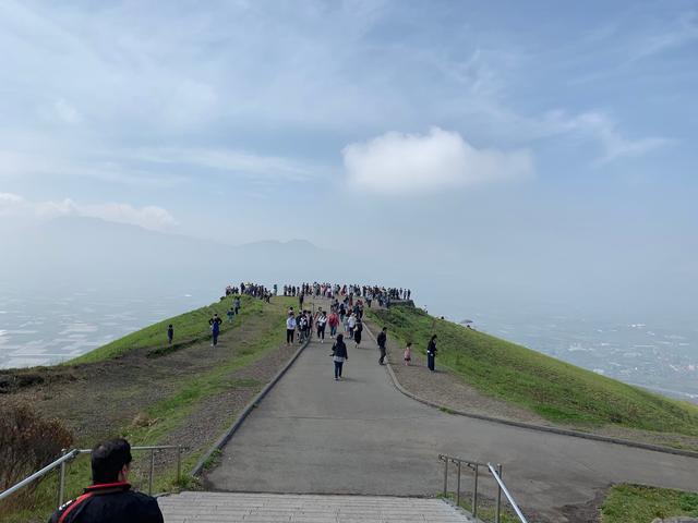 画像2: 大観峰へ(熊本県阿蘇市)