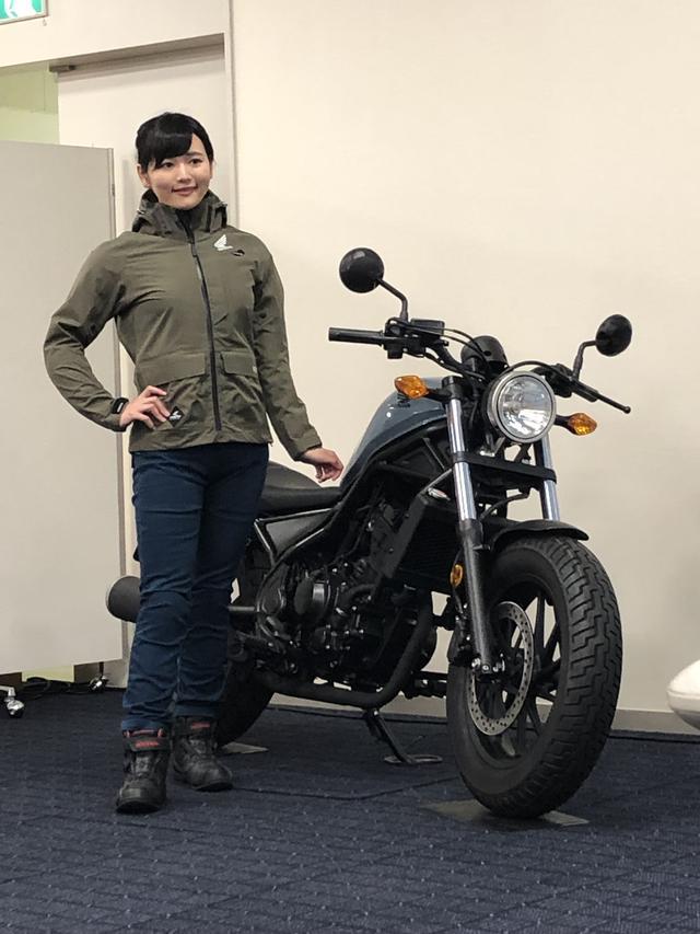 画像1: レザージャケットの老舗クシタニとのコラボレーションアイテム『Honda×KUSHITANI』からは、自宅でクリーニング可能な撥水性に富んだ立ち襟が特徴的なシングルレザージャケットとレザージーンズを用意。