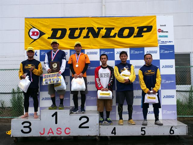 画像: 左から3位・岡村選手(代理)、1位・池田選手、2位・廣瀬選手、4位・小川選手、5位・作田選手、6位・吉野選手