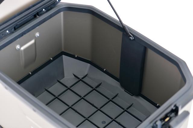 画像: フラットな内装で無駄なく収納。使い勝手の良さが際立ちます。