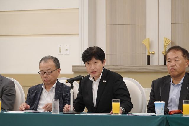画像: 2020年の「第47回 東京モーターサイクルショー」開催について説明をする赤坂正人 会長(ホンダモーターサイクルジャパン・中央)