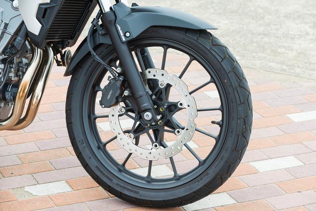 画像2: フロントの19インチ化でタイヤの選択肢が増えて、本格アドベンチャー的な使い方もできるバイクです