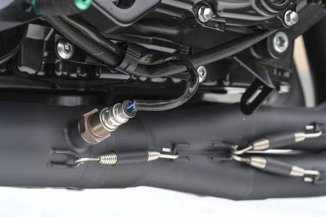 画像: 平成28年度騒音規制/排ガス規制に対応した政府認証製品なので車検もこのままでOK。 ノーマルエンジンと絶妙にマッチした特性で、ECUの補正も必要としない。