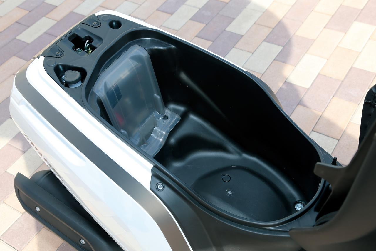 Images : 21番目の画像 - 「当時、12年ぶりにホンダがリリースした50ccスクーターでした『ホンダ DUNK』(2014年) #試乗インプレ」のアルバム - webオートバイ