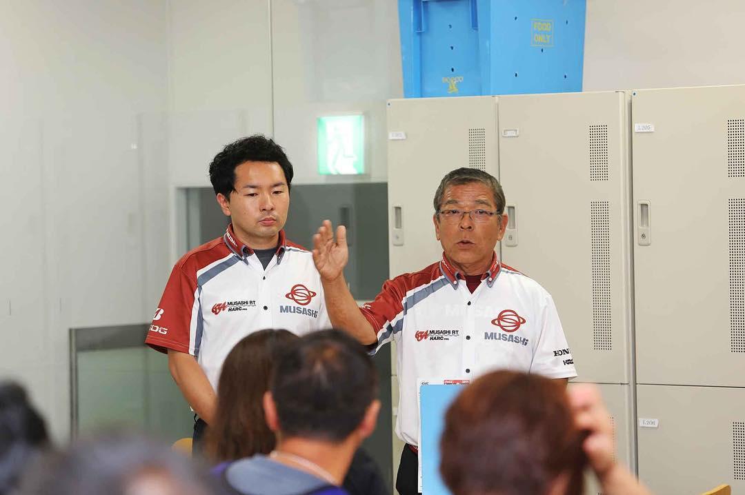 画像: 事情説明をする本田重樹総監督(右)と光太郎監督 写真はMuSASHiフェイスブックより