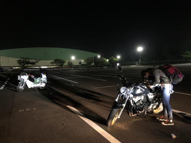 画像: もうほとんどバイクが残っていない駐車場。安全運転で帰ります。