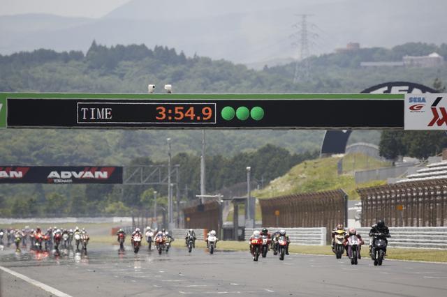 画像2: エンジン無改造のビジネスバイクで競う3時間耐久!
