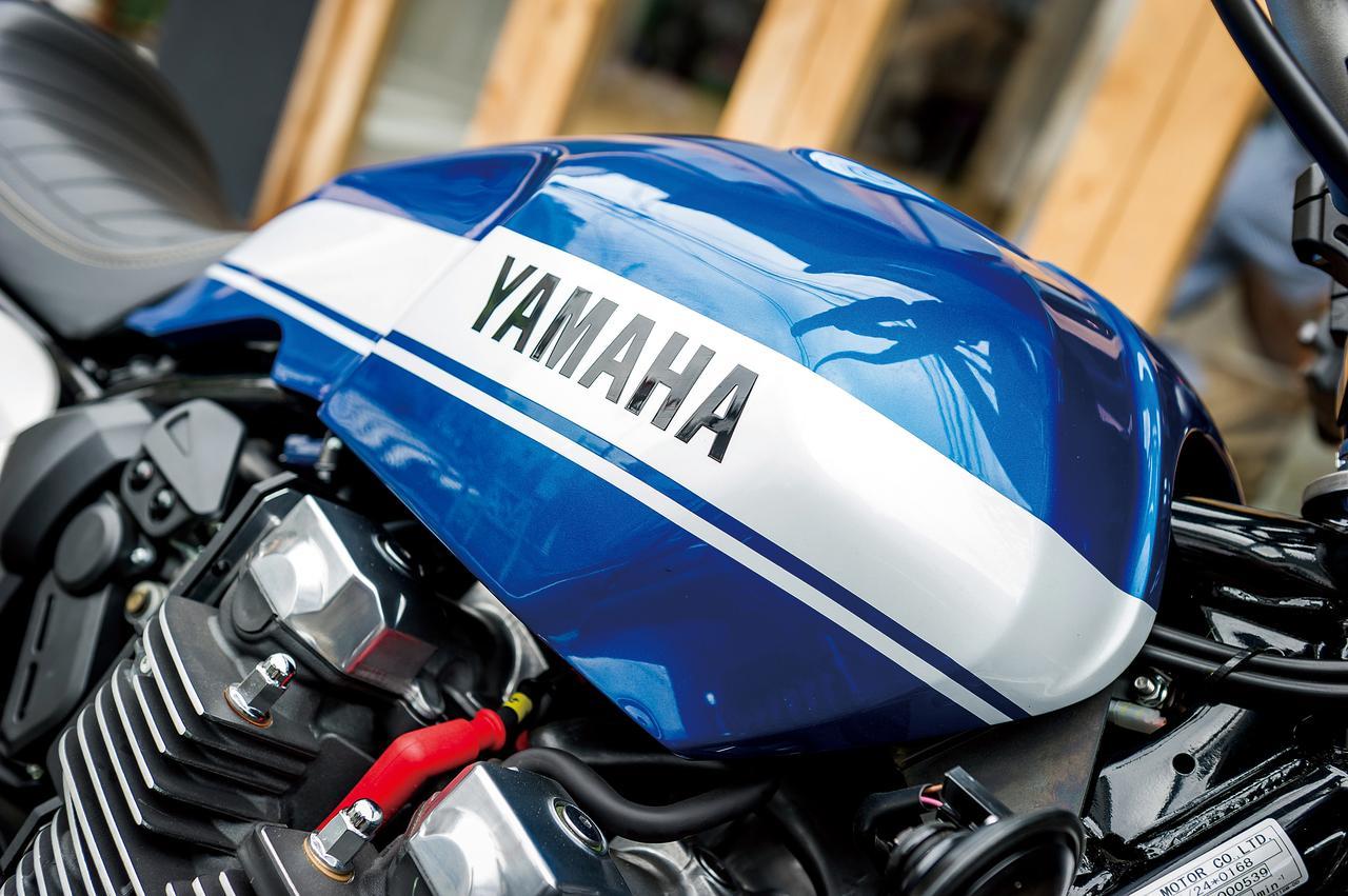 Images : 11番目の画像 - 「モダンクラシックの世界へようこそ『YAMAHA XJR1300C』(2015年) #試乗インプレ」のアルバム - webオートバイ