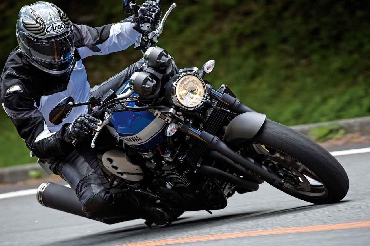 Images : 4番目の画像 - 「モダンクラシックの世界へようこそ『YAMAHA XJR1300C』(2015年) #試乗インプレ」のアルバム - webオートバイ